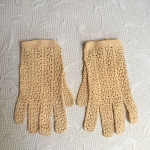 Accessories - Vintage crochet cotton gloves made in France